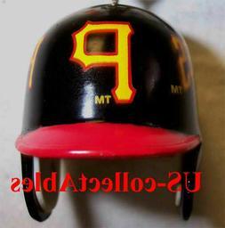 MLB Pittsburgh Pirates Baseball Batting Helmet Keychain Spor