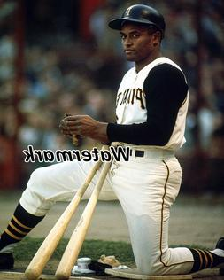 MLB Roberto Clemente Pittsburgh Pirates on Deck Circle Color