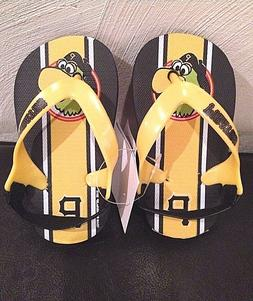 NWT Pittsburgh Pirates MLB Youth Size 5-6 Sandals Flip Flops