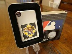 PITTSBURGH PIRATES ZIPPO LIGHTER MINT IN BOX RETIRED DESIGN